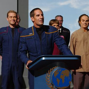 Photo Connor Trinneer, Dominic Keating, Jolene Blalock, Scott Bakula