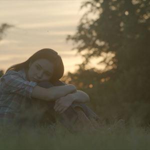 Dakotas summer emily bett rickards dating 6