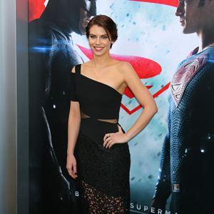 Batman v Superman : L'Aube de la Justice : Photo promotionnelle Lauren Cohan
