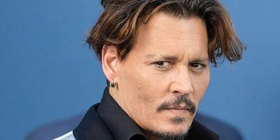 Johnny Depp sort de son silence