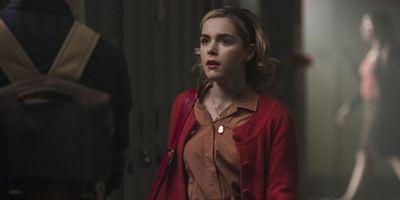 Les Nouvelles aventures de Sabrina ensorcellent les internautes nostalgiques de la série sur la petite sorcière