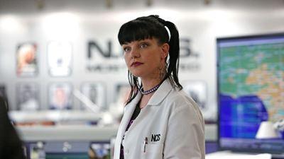 NCIS : Pauley Perrette (Abby) accuse Mark Harmon de comportements racistes, homophobes et misogynes