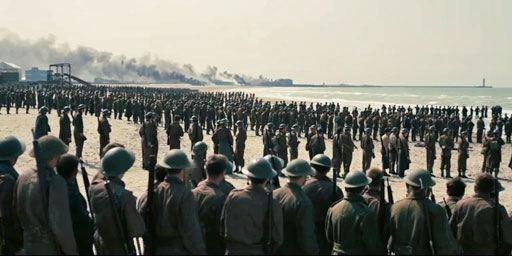 Dunkerque : Christopher Nolan insiste sur l'importance de découvrir son film au cinéma
