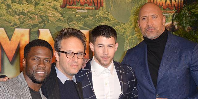 Avant-première Jumanji : les joueurs Dwayne Johnson, Kevin Hart et Nick Jonas étaient à Paris