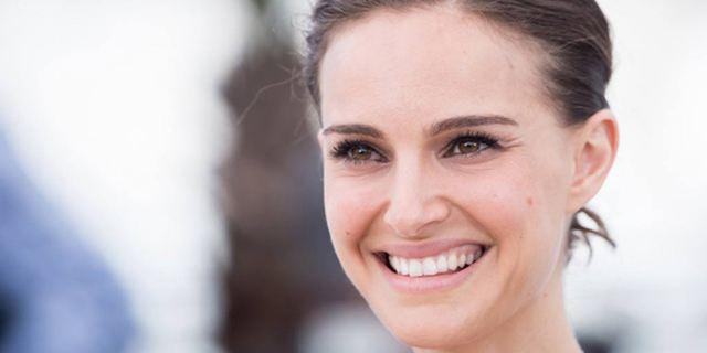 Natalie Portman va réaliser un film dans lequel elle jouera des jumelles