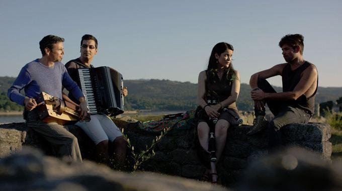 Photo du film The Music of Strangers