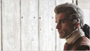 """Stanley Weber (Outlander) : """"Caitriona Balfe est bouleversante de charme et de gentillesse"""""""