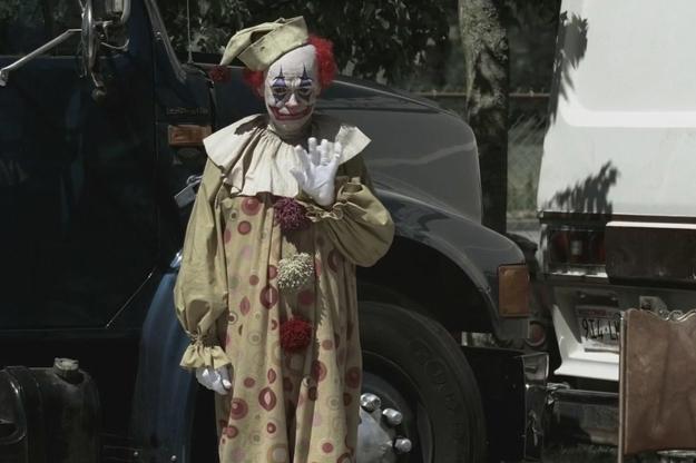 Supernatural ces clowns qui font tr s peur allocin - Comment faire un maquillage de clown qui fait peur ...