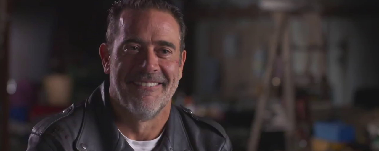 The Walking Dead : Negan seul contre tous dans la featurette de la saison 8