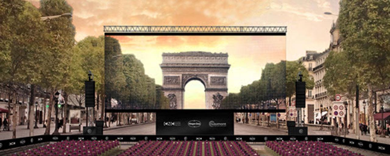 Les Visiteurs projeté en plein air sur les Champs-Elysées le 1er juillet