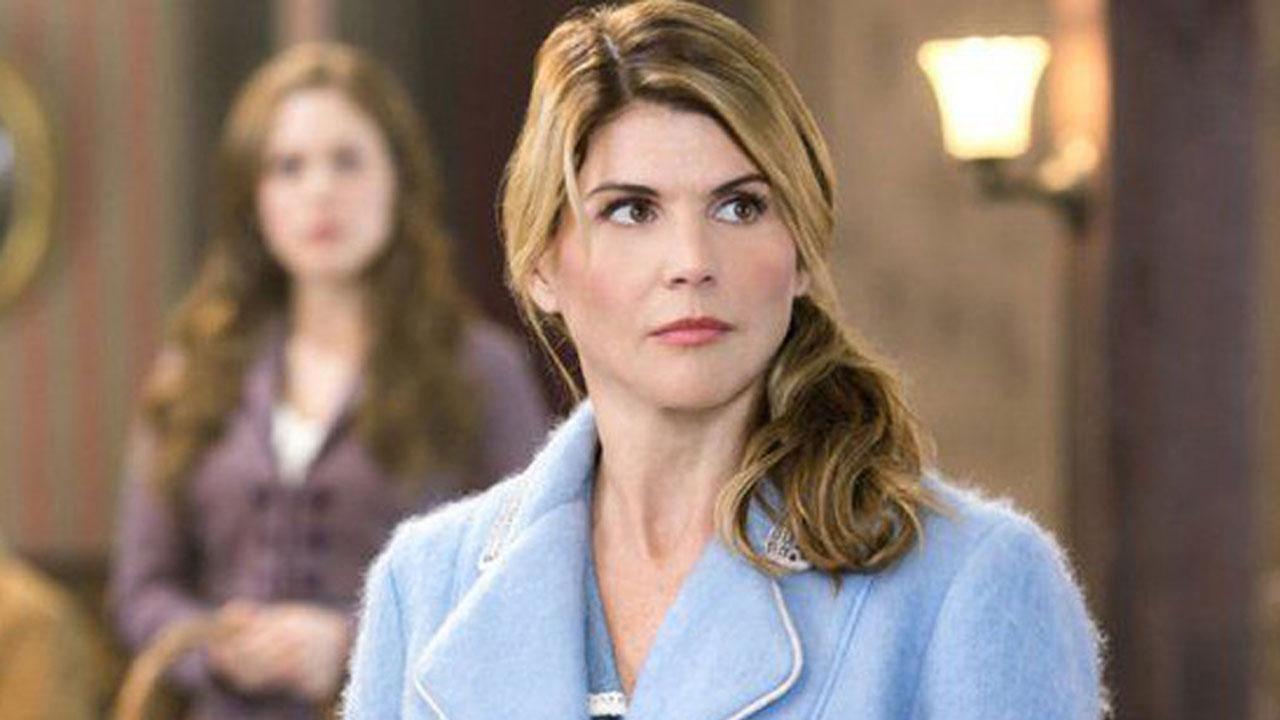 Le Cœur a ses raisons : Lori Loughlin virée de la série suite à un scandale, les épisodes déprogrammés
