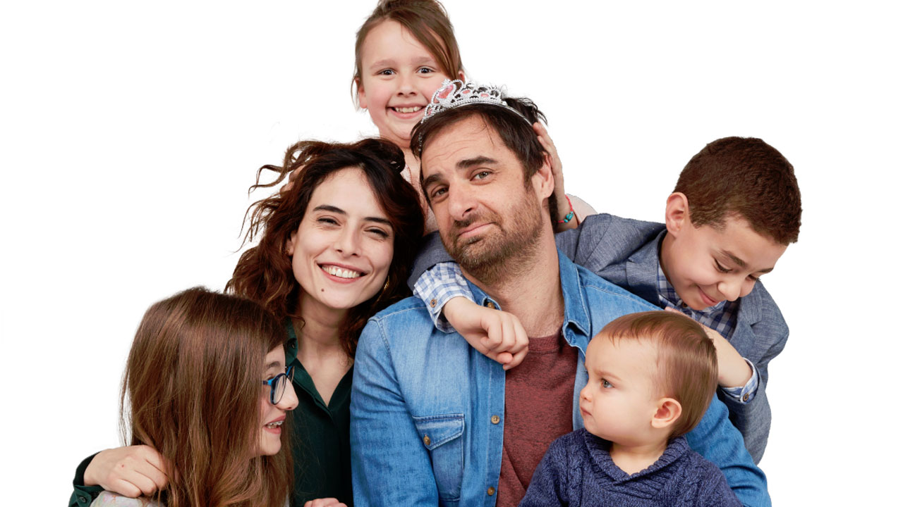 Le Grand bazar : la comédie familiale avec Grégory Montel (Dix pour cent) arrive fin juin sur M6