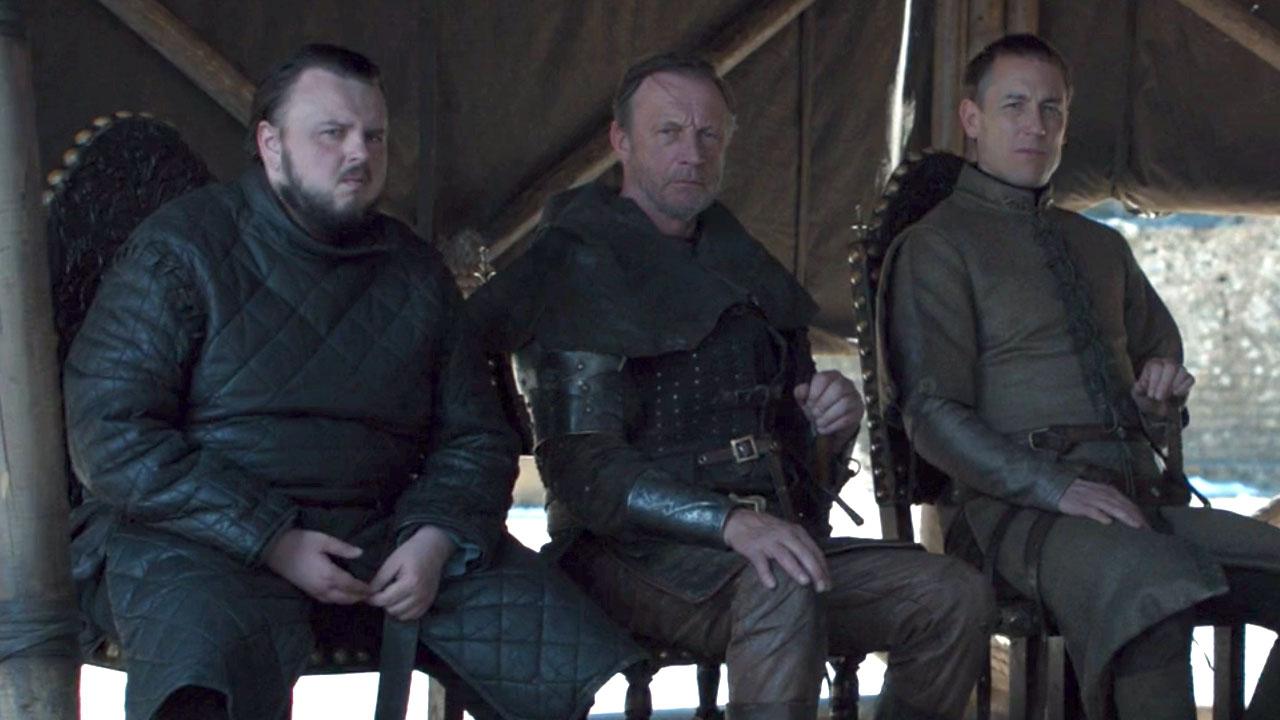 Game Of Thrones saison 8 : après le gobelet Starbucks, c'est une bouteille d'eau qui fait le buzz dans le final !