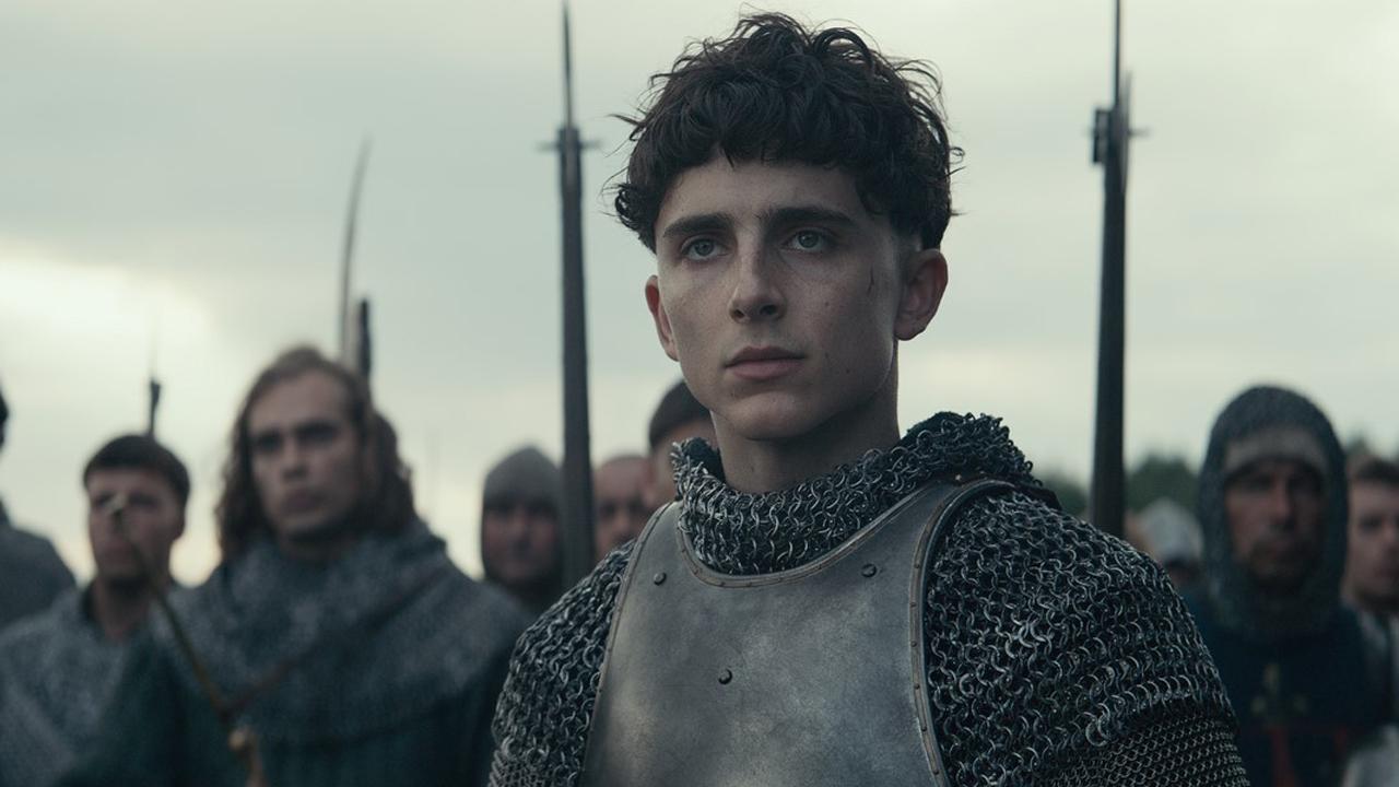 Le Roi sur Netflix : une nouvelle bande-annonce avec Timothée Chalamet et Robert Pattinson