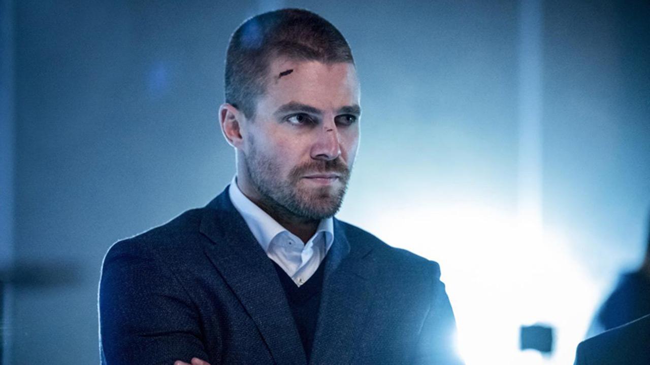Après Arrow, une série de science-fiction pour Stephen Amell et son cousin Robbie