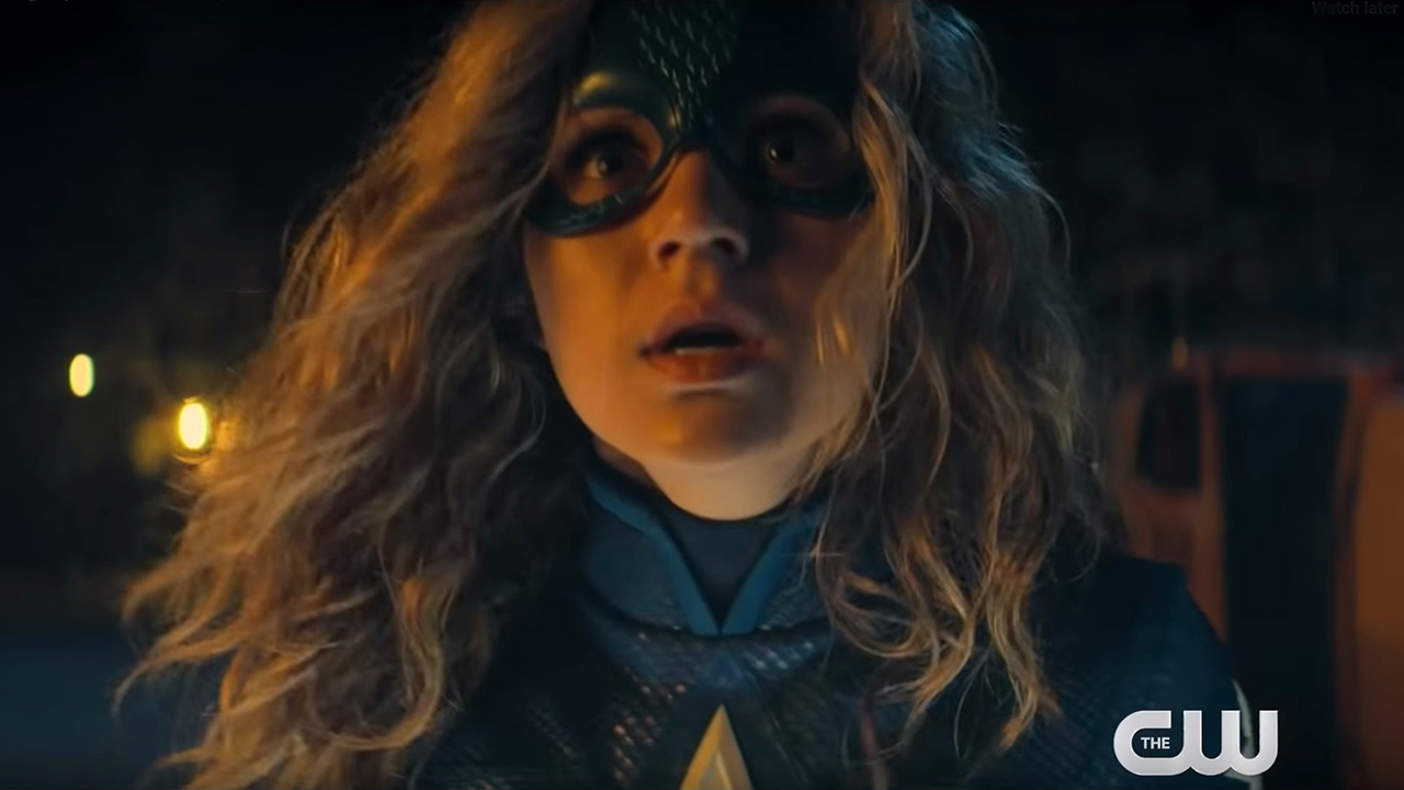 Arrow : première bande-annonce pour Stargirl, la nouvelle héroïne DC Comics