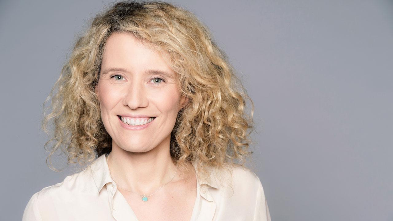 """""""TF1 se doit d'être représentative de la société dans son ensemble"""" pour la directrice de la fiction Anne Viau"""