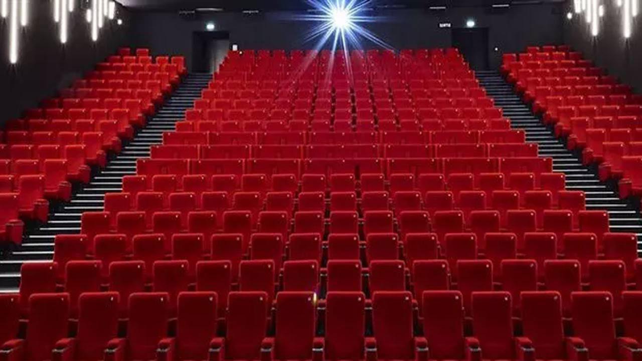 Coronavirus - cinémas fermés : combien de temps ? Et pour les abonnements ? Les réservations en cours ?