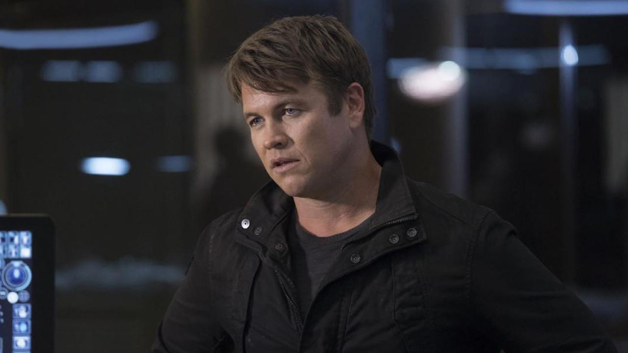 """Westworld (OCS) : Luke Hemsworth """"surpris"""" par la nature de son personnage [INTERVIEW]"""