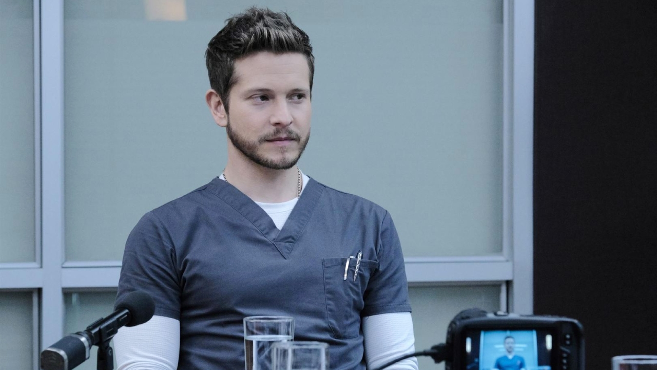 The Resident sur TF1 : quel avenir pour Conrad (Matt Czuchry) après son renvoi de l'hôpital ? [SPOILERS]