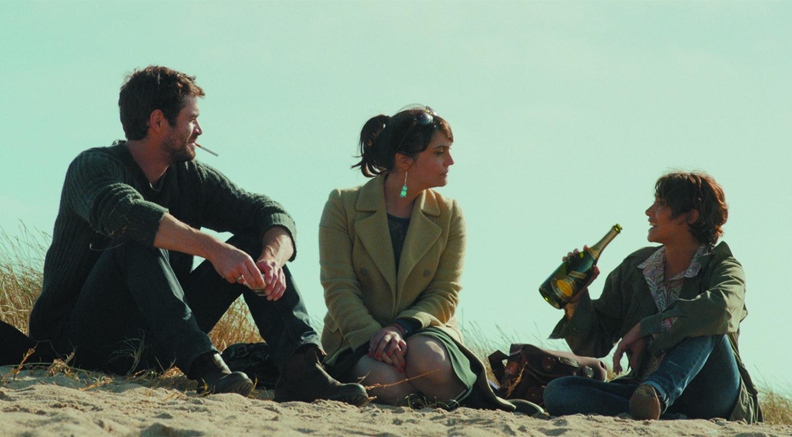 Les Châteaux de sable. Yannick Renier, Jeanne Rosa et Emma de Caunes