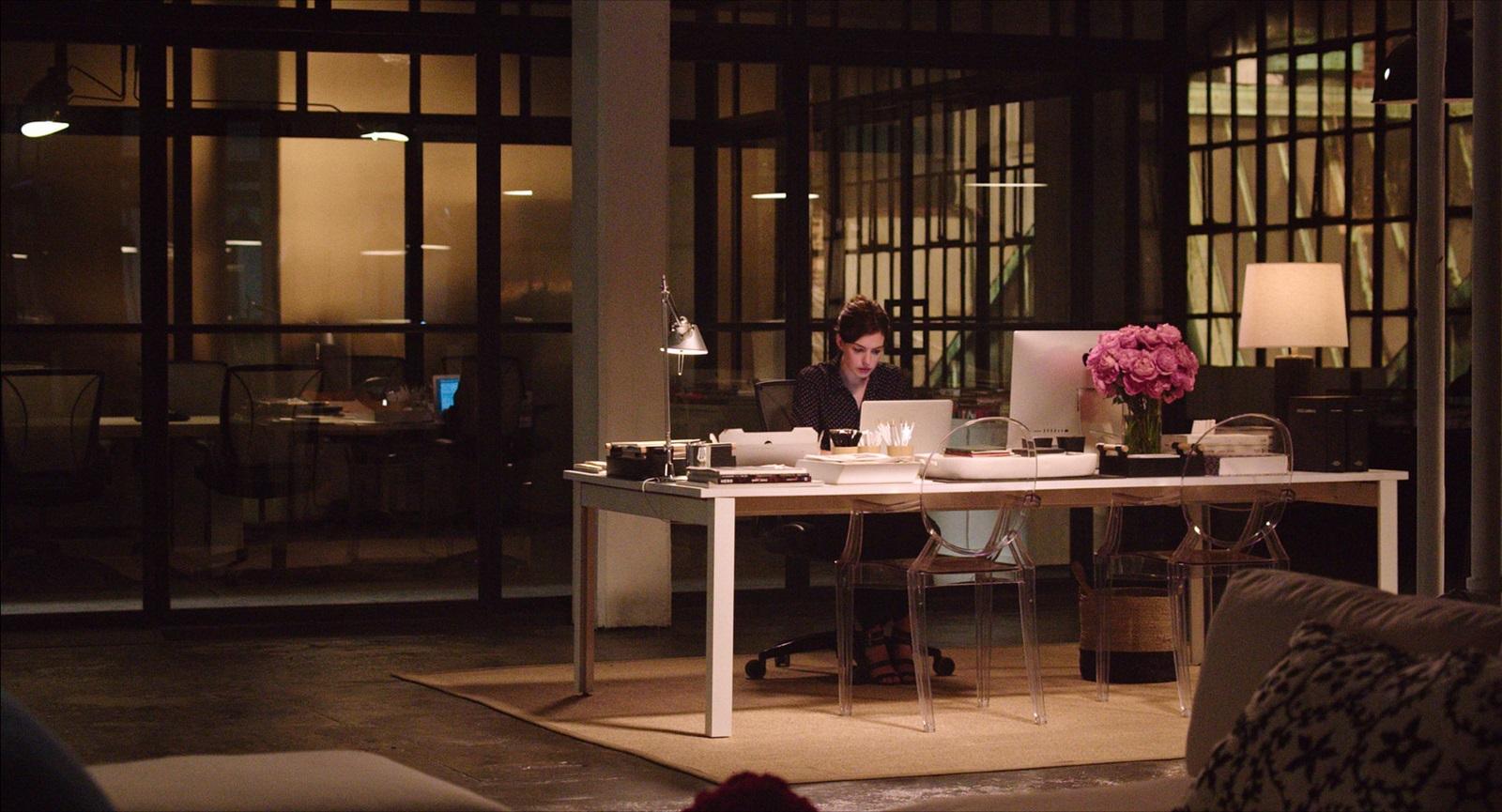 photo du film le nouveau stagiaire photo 27 sur 36 allocin. Black Bedroom Furniture Sets. Home Design Ideas