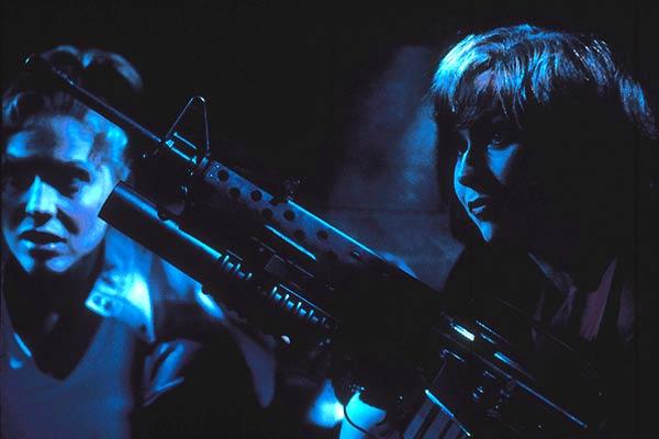 Rouge à lèvres et arme à feu : Photo Mary McCormack, Mel Smith, Minnie Driver