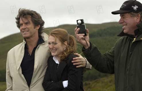 Une Affaire de coeur : Photo Julianne Moore, Peter Howitt, Pierce Brosnan