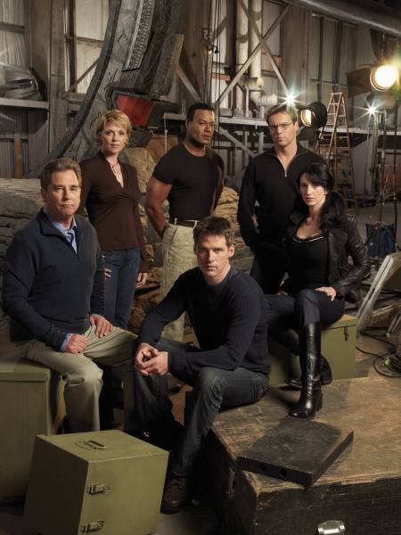 Stargate SG-1 : Photo Amanda Tapping, Beau Bridges, Ben Browder, Christopher Judge, Claudia Black