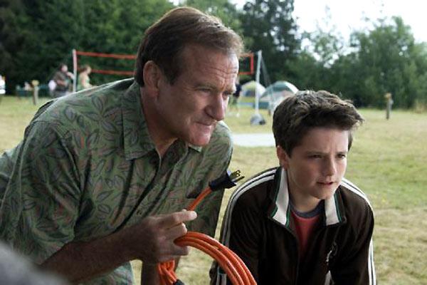 Camping car : Photo Josh Hutcherson, Robin Williams