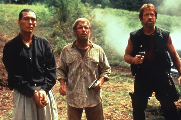 Delta Force 2 : Photo Aaron Norris, Billy Drago, Chuck Norris, Richard Jaeckel