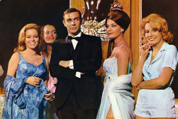 Opération Tonnerre : Photo Claudine Auger, Luciana Paluzzi, Martine Beswick, Molly Peters, Sean Connery