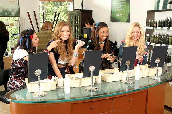 Bratz - In-sé-pa-rables ! : Photo Janel Parrish, Logan Browning, Nathalia Ramos, Sean McNamara, Skyler Shaye
