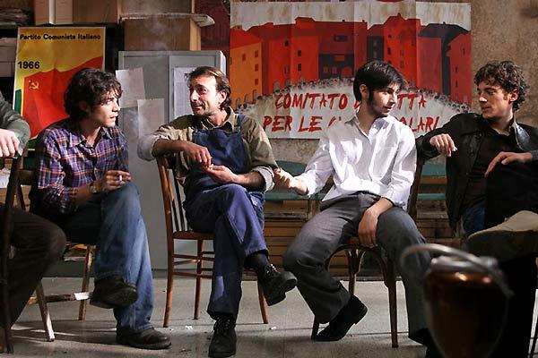 Mon frère est fils unique : Photo Daniele Luchetti, Elio Germano, Riccardo Scamarcio
