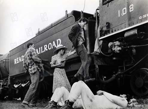 Bertha Boxcar : Photo Barbara Hershey, Barry Primus, Bernie Casey