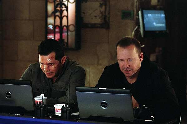 La Loi et l'ordre : Photo Donnie Wahlberg, John Leguizamo, Jon Avnet