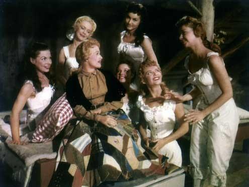 Les Sept femmes de Barberousse : Photo Jane Powell, Julie Newmar, Nancy Kilgas, Ruta Lee, Stanley Donen