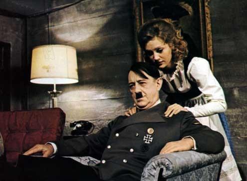 Les Dix derniers jours d'Hitler : Photo Alec Guinness, Doris Kunstmann, Ennio De Concini