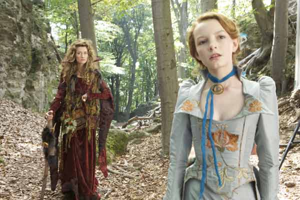 Le Secret de Moonacre : Photo Dakota Blue Richards, Gabor Csupo, Natascha McElhone