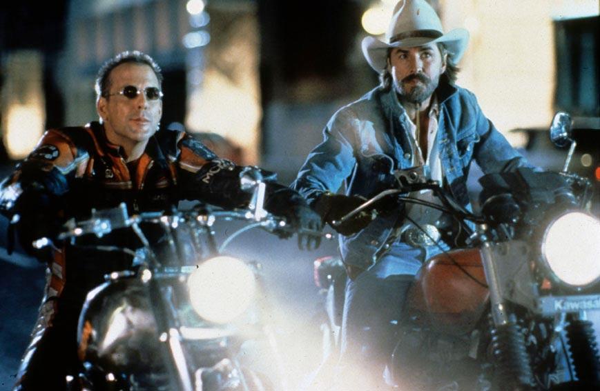 Harley Davidson et l'homme aux santiags : Photo