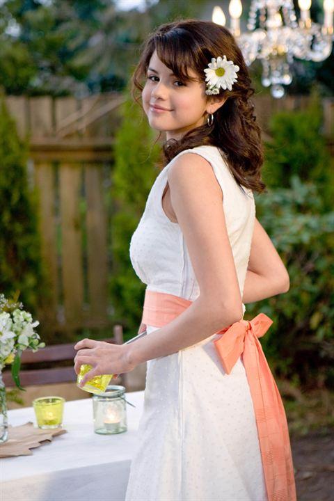 Soeurs malgré elles : photo Elizabeth Allen, Selena Gomez
