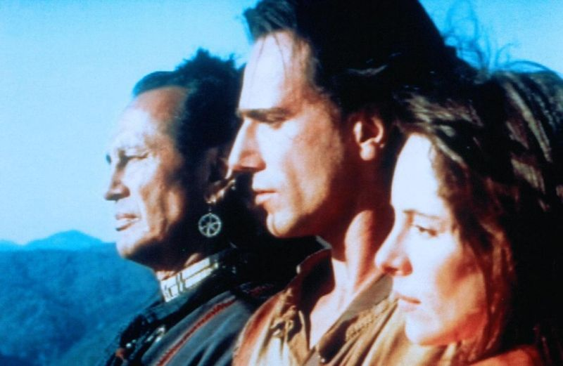 Le Dernier des Mohicans : Photo Daniel Day-Lewis, Madeleine Stowe, Russell Means