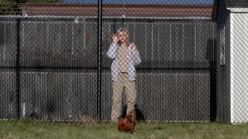 Orange Is the New Black – Piper Chapman apporte le poulet