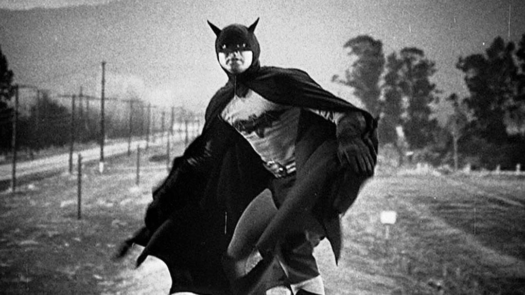"""Lewis Wilson dans le serial """"Batman"""" (1943)"""