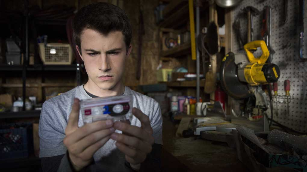 Clay (Dylan Minnette )