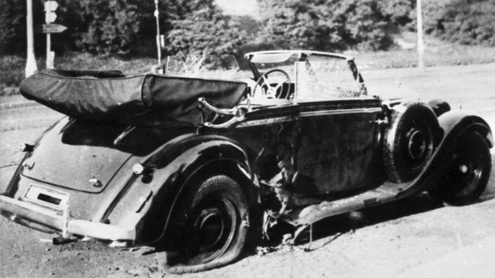 La Mercedes décapotable de Reinhard Heydrich, peu après l'attentat.
