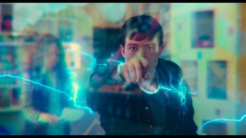 Barry Allen (Ezra Miller) sur le point de traverser le temps ?