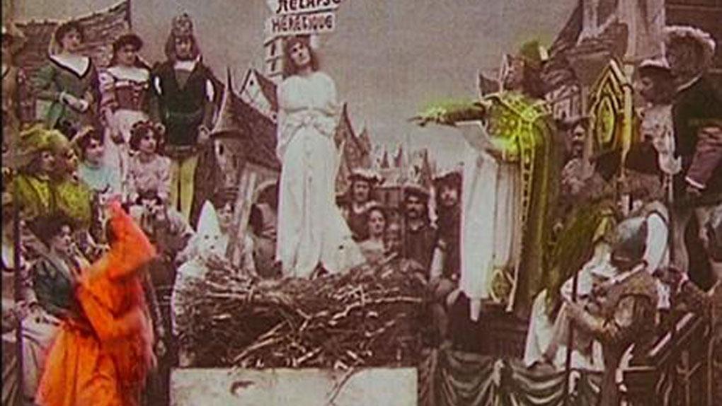 """Bleuette Bernon dans """"Jeanne d'Arc"""" de Georges Méliès (1900)"""
