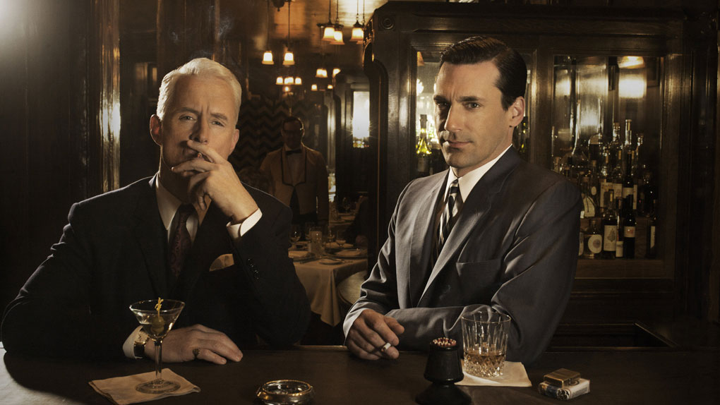 "Roger Sterling et Don Draper dans ""Mad Men"""