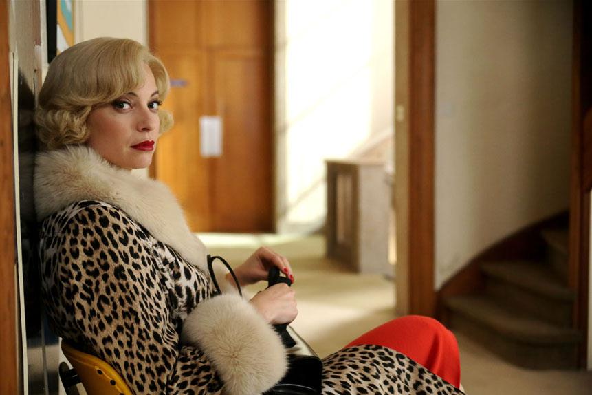 La plus naïve : Elodie Frenck dans Les petits meurtres d'Agatha Christie